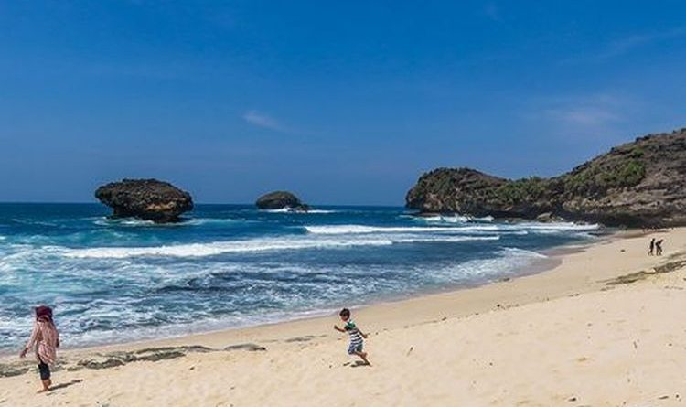 A Number of Beaches in Bali Opened for Foreign Tourists, Local Residents Not Yet Allowed in